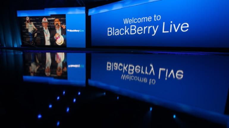 BlackBerry Q5 akıllı telefon