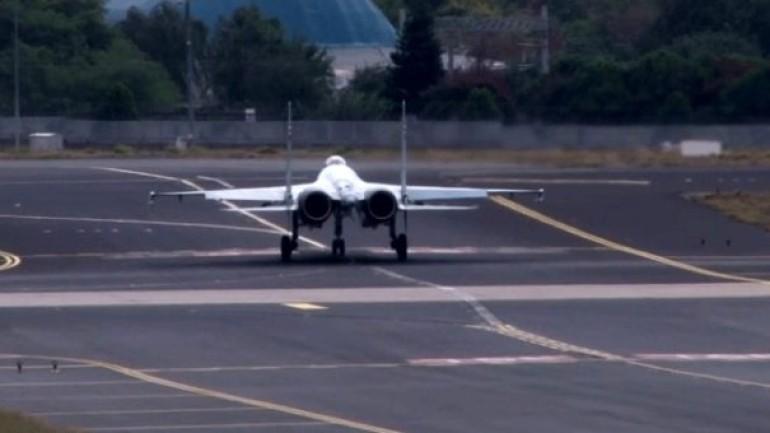 Rus uçağı Su-35 ve Rus yangın söndürme uçağı Be-200 İstanbul semalarında uçtu