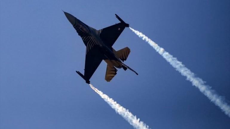 SoloTürk'ün TEKNOFEST'te yaptığı gösteri uçuşu nefesleri kesti